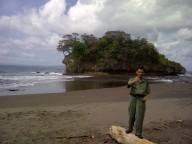Gumilar saat berada di Pantai Madasari, Kab. Pangandaran. Daerah Tujuan Wisata yang Sangat Indah, Masih Asli Alami Belum Tersentuh Rekayasa Teknologi Pariwisata.