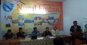 Diskusi tentang Pandangan Islam tentang Hypnotis dan Hypnotherapy bersama Jenderal Dr. Endy Samsuhari, S.Pd.,M.M.Pd.,M.Oxcel dan Tokoh Agama Mendaptkan Pandangan yang Beragam dari Para Peserta Diskusi (Ciamis, 01/2012)