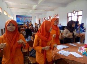 Foto Santri Melaksanakan Kegiatan Akademik dan Non Akademik Terjadwal dengan Ketat 2015